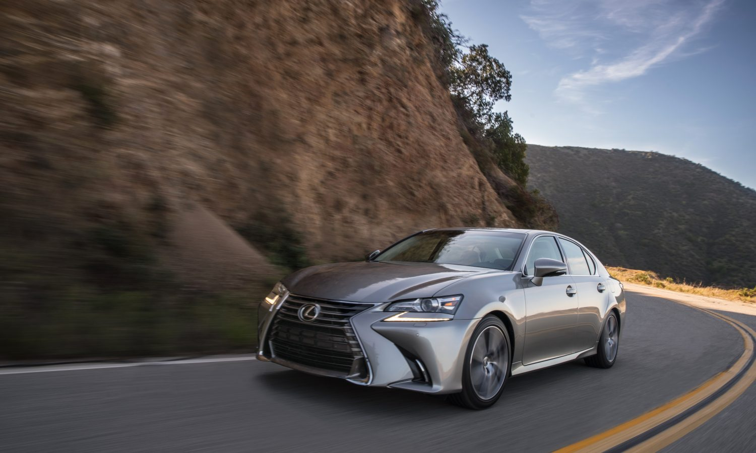 Mingling with the Classics: Lexus Introduces 2016 GS During Pebble Beach Concours Celebrations