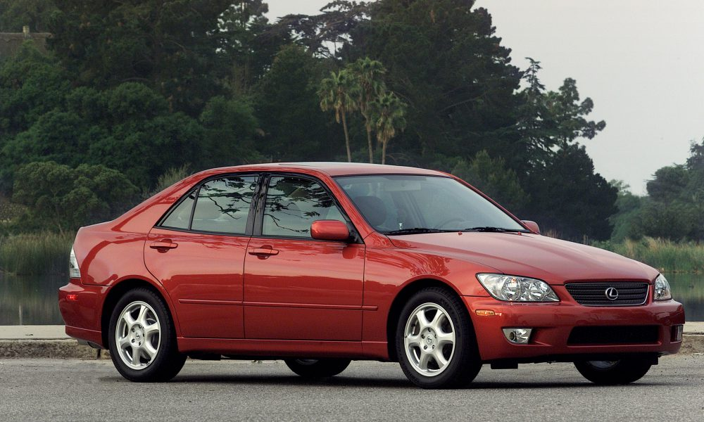 Lexus IS Icons: 2001 Lexus IS