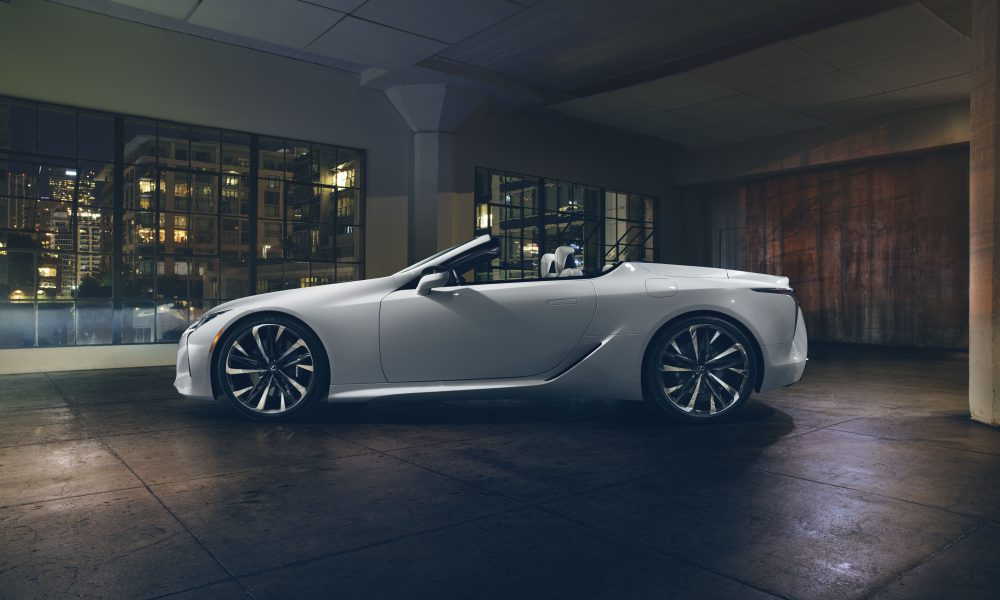 Lexus Luxury Lineup Dazzles the Windy City at Chicago Auto Show