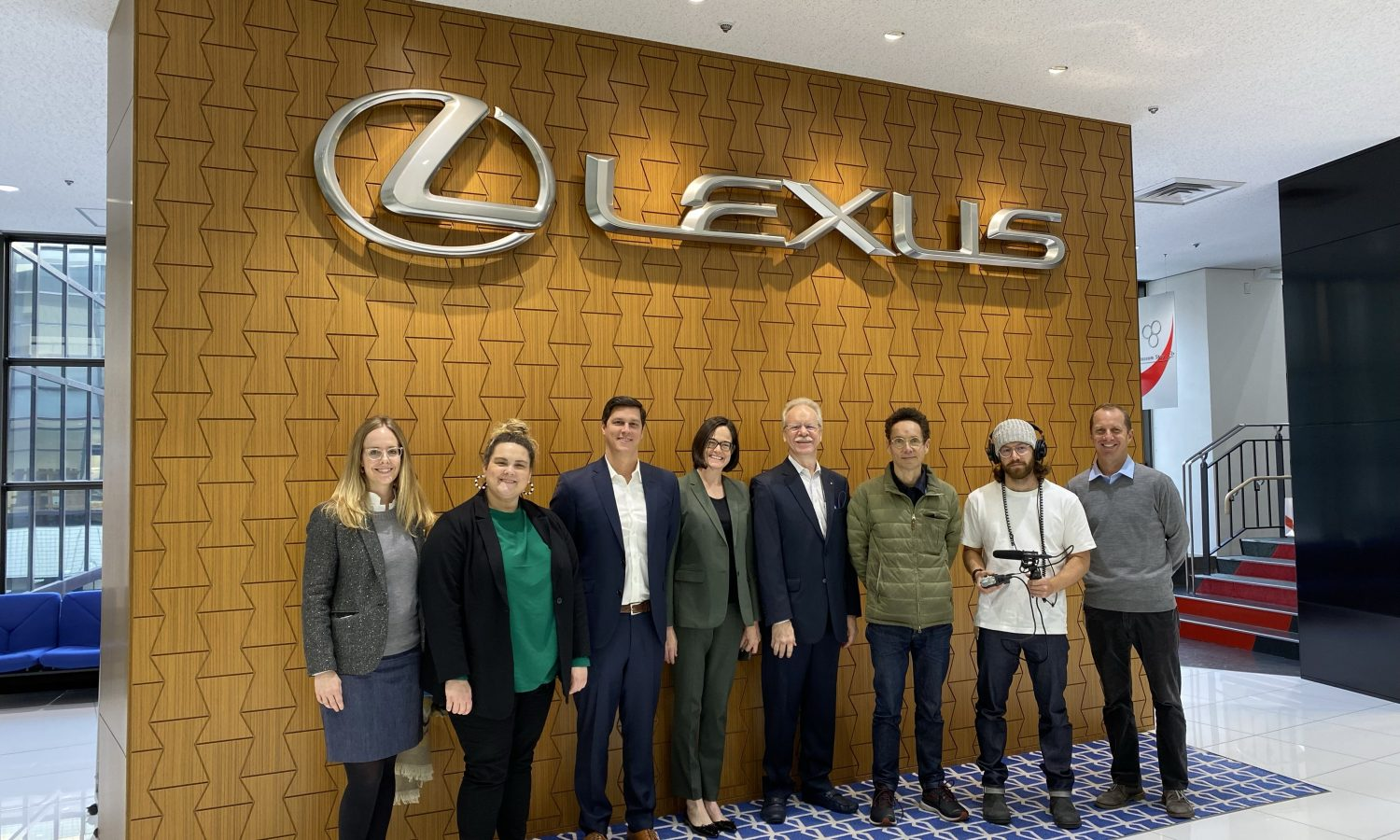 Listen Up! It's Malcolm Gladwell's Amazing Lexus Experience